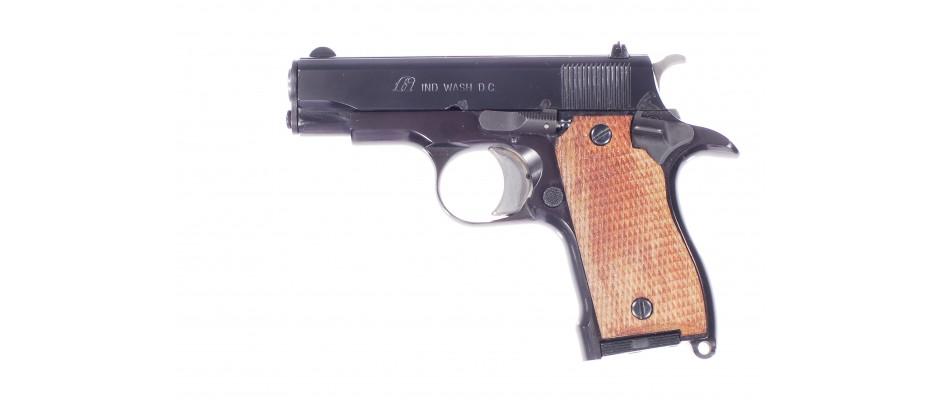Pistole FI model D 9 mm Br.